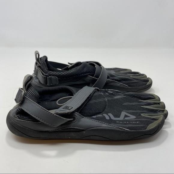 Fila Men's Gray & Black Water Shoes Size 9
